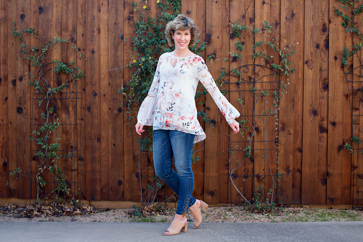 floral tops for spring, whbm floral top, floral print top, floral print shirt, florals, spring tops