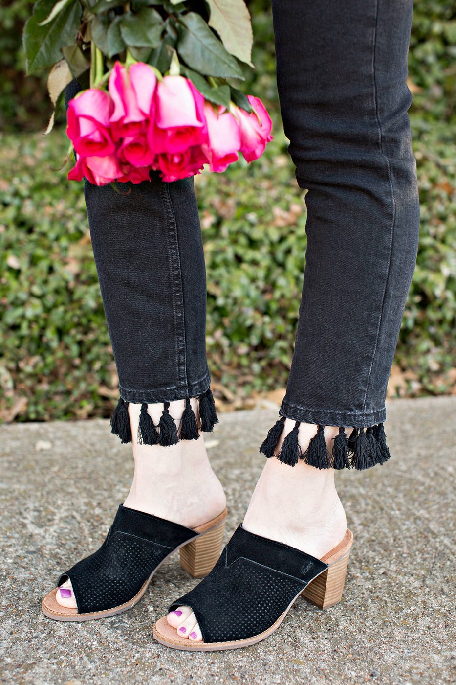 black and white, tom's mules, open-toe mules, black tom's mules, black open toe mules