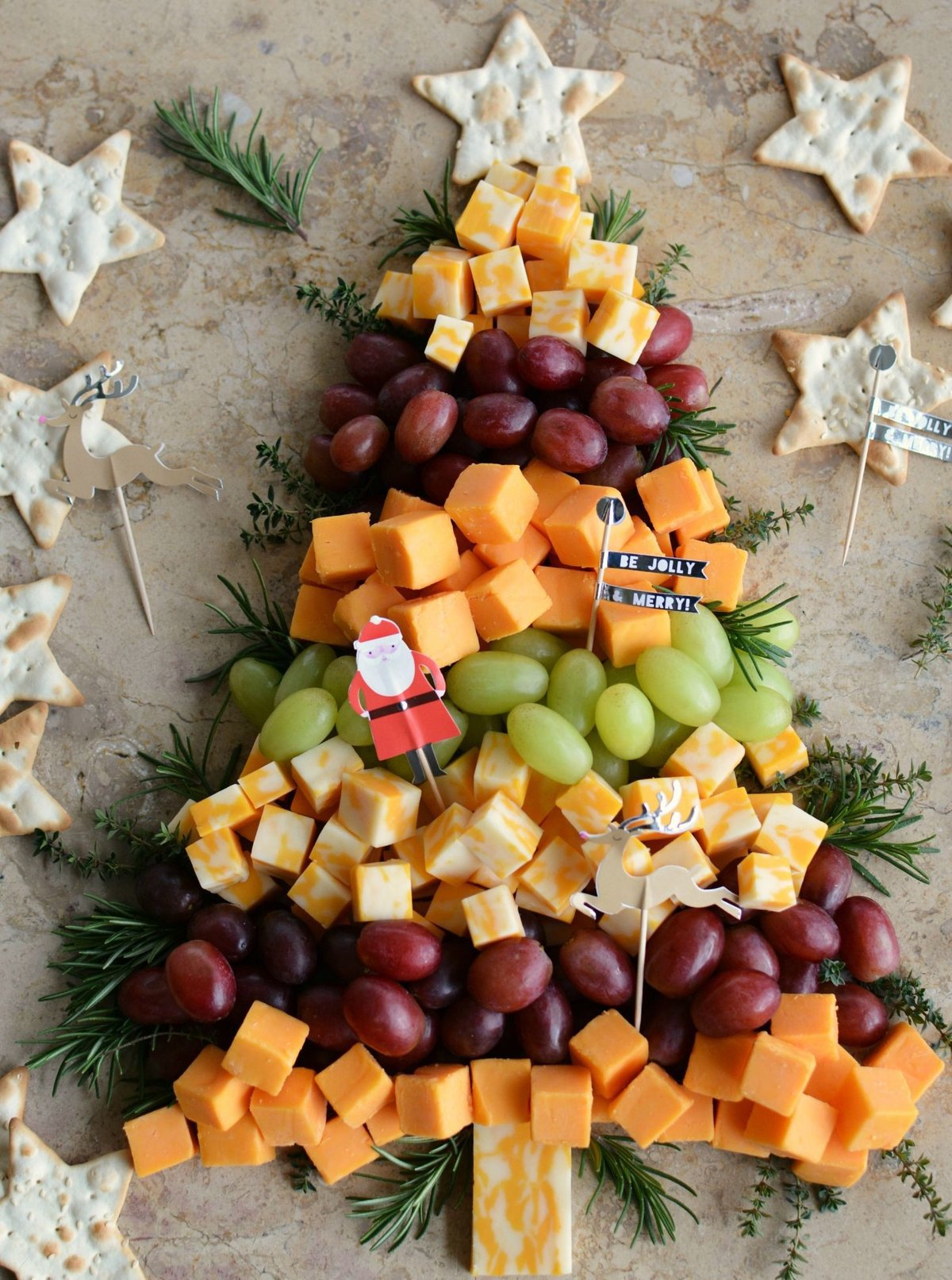 christmas tree made with cheese grapes