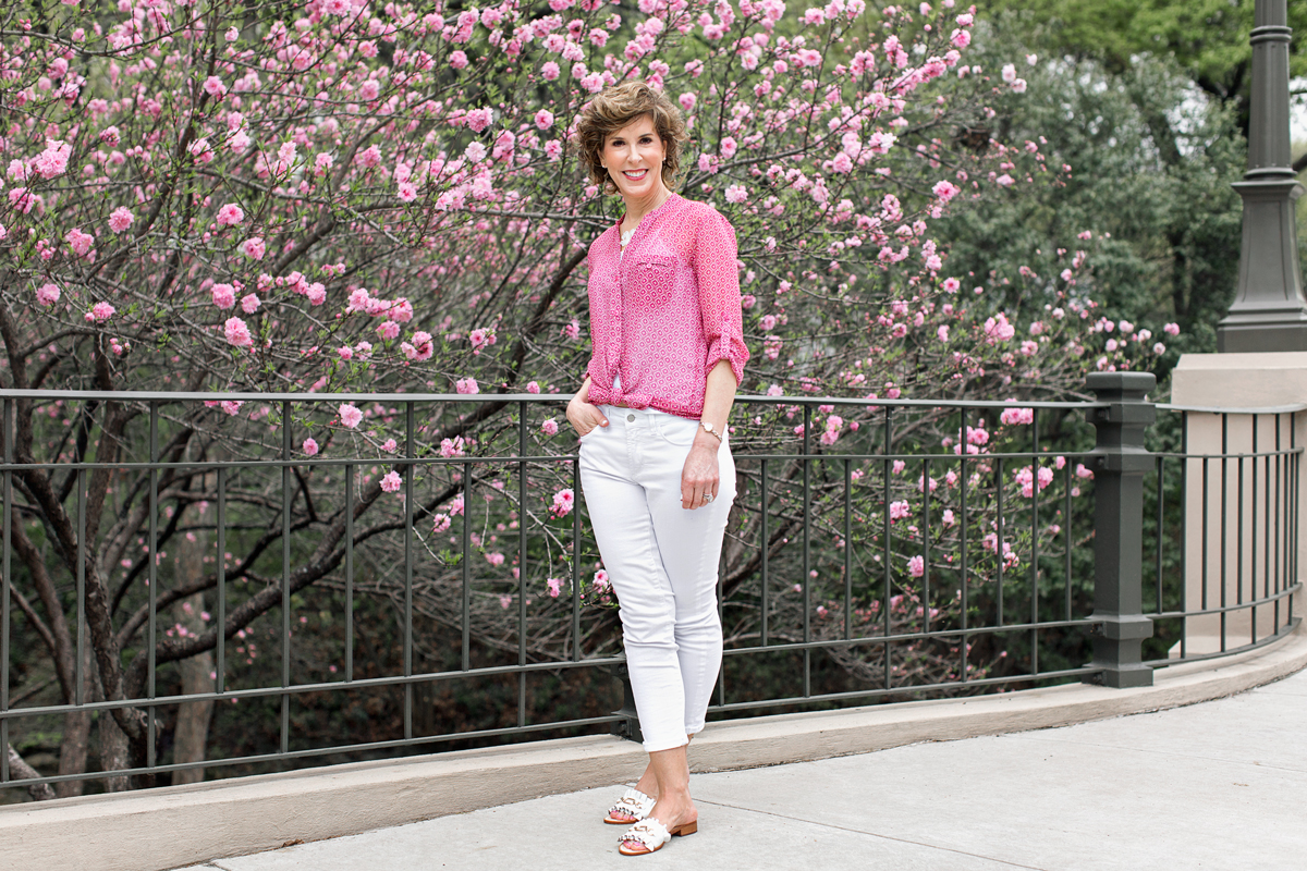 reader questions, kut from the kloth, kut from the kloth top, kut from the kloth jasmine, ami white jeans, ami stretch skinny jeans, nydj jeans, nydj stretch skinny jeans, nydj white ami jeans, nydj white jeans, kate spade slides, kate spade beau slides, kate spade white sandals, kate spade white slides, kate spade slides, answering reader questions, readers' questions