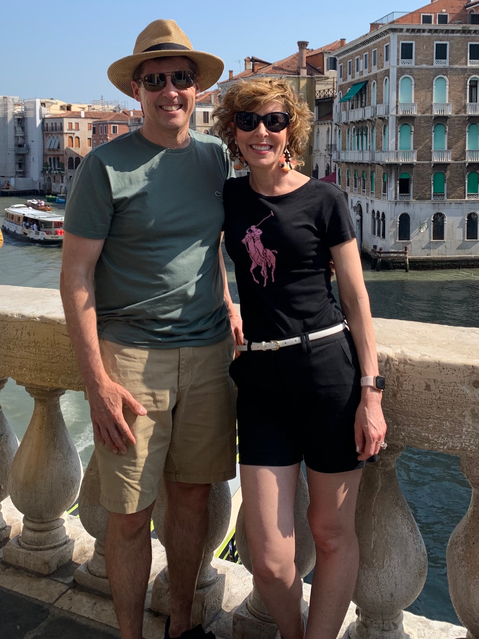 couple posing in venice italy