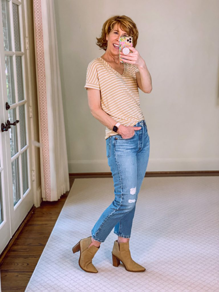 woman wearing Chico's Cool Touch V-neck tee ,levis mom jeans, and vince camuto tortilla suede booties from nordstrom anniversary sale